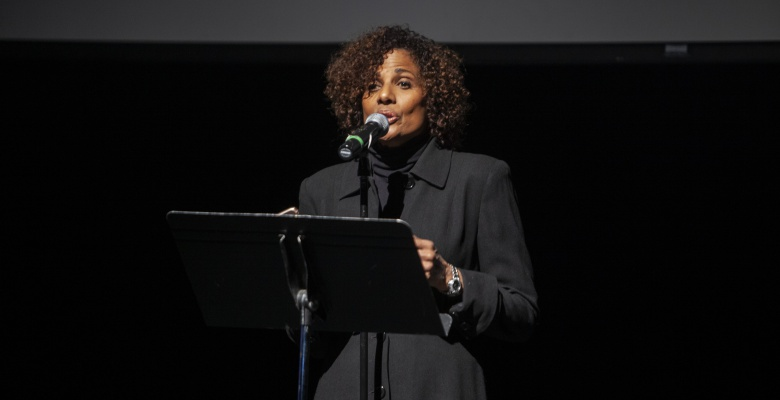 Former Chicago newscaster Robin Robinson narrates the sequence of events that sparked and inflamed the 1919 Chicago race riots.