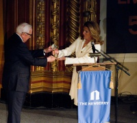 Board Chair Victoria J. Herget Presents The Newberry Award to David McCullough
