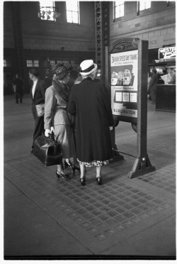 """""""Chicago, Union Station, In the Main Concourse, 1948,"""" Newberry Library Granger 461."""