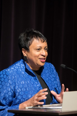 Librarian of Congress Carla Hayden addresses the audience after receiving the 2018 Newberry Library Award.