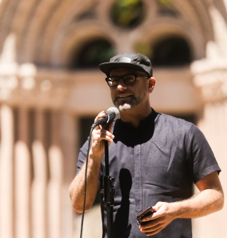 Kevin Coval accepting the John Peter Altgeld Freedom of Speech Award